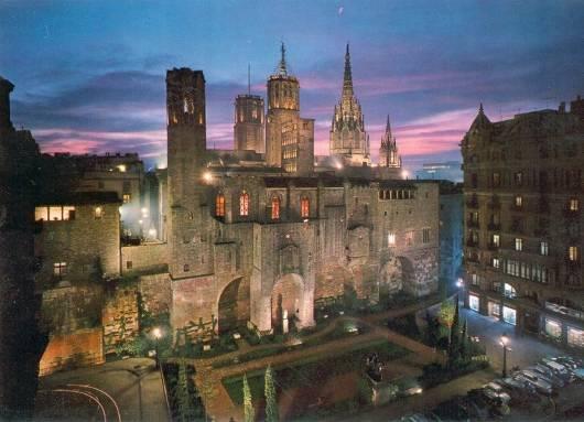 EL MUNDO EN TODO SU ESPLENDOR Barrio-gotico-barcelona-espana