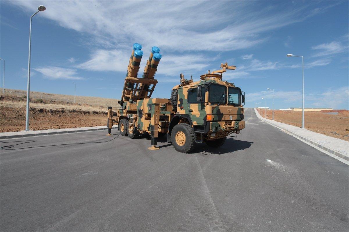 تركيا تتسلم رسميا اول دفعه من الصواريخ الموجهه عيار 302ملم  من شركة roketsan التركية 20161118_2_20206883_16148479_web