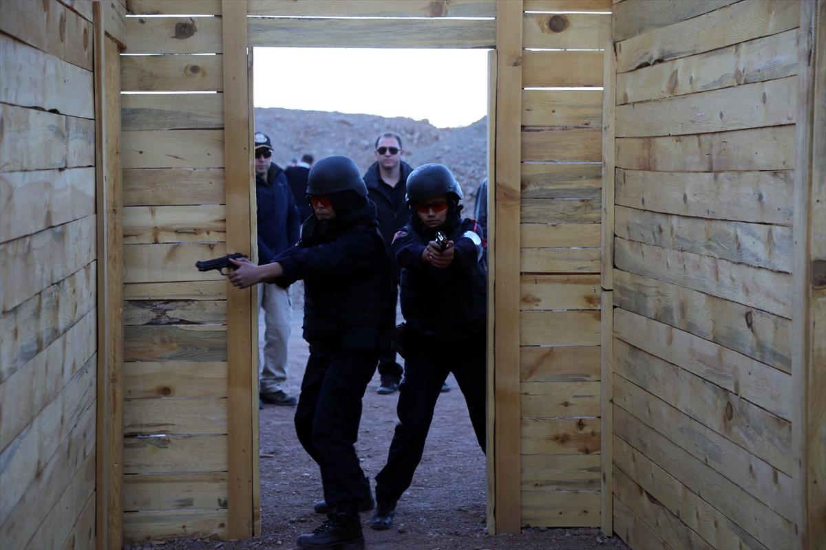 تركيا تجري تدريبات للشرطيات الأفغانيات 20161125_2_20326762_16362566_web