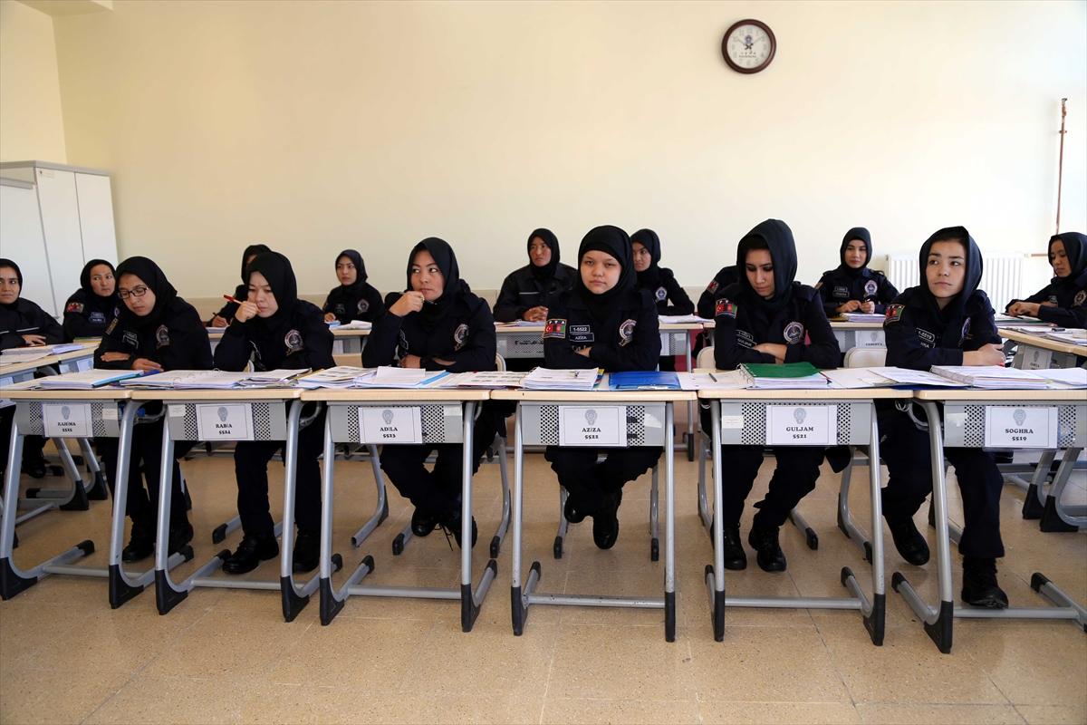 تركيا تجري تدريبات للشرطيات الأفغانيات 20161125_2_20326762_16362568_web