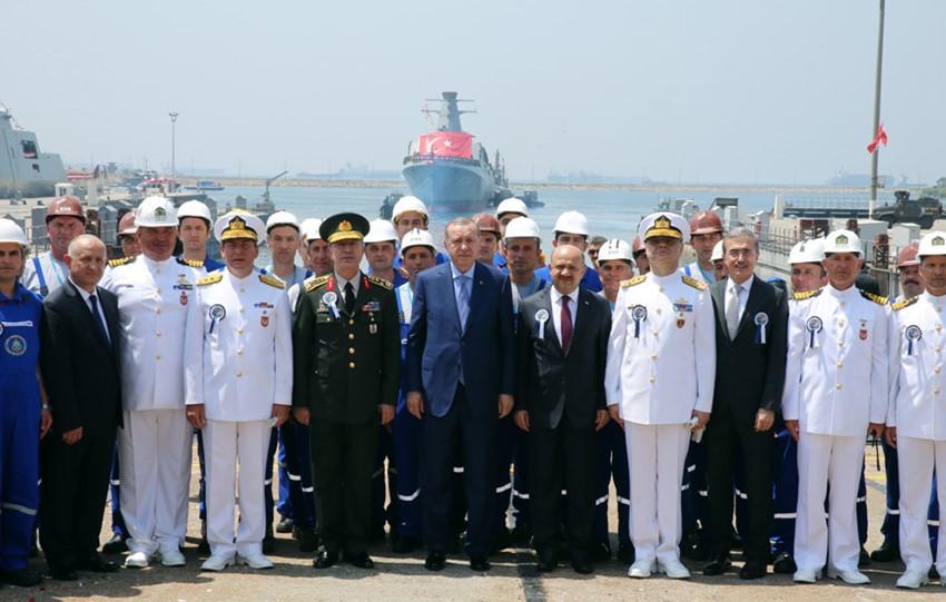 أردوغان يشارك في حفل إنزال الكورفيت المحلي الصنع TCG Kınalıada Ada-class 2017-07-03-gemi-30