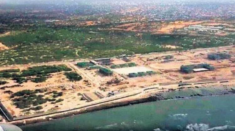 تركيا تنشئ قاعدة عسكرية في الصومال Afrika_boynuzunda_turk_askeri_ussu_1475211851_6853