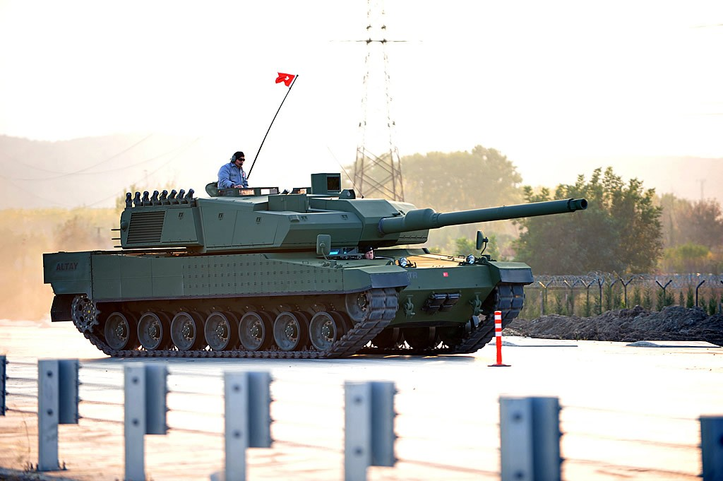 تركيا تسجل قفزة نوعية في الصناعة الحربية Altay-1024x681