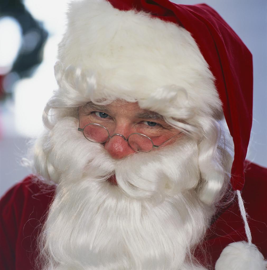 تهنئة بالعام الجديد Santa-claus-pics-0101