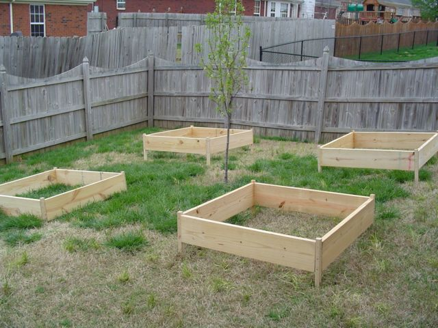 Building the garden and first year results. Building04small