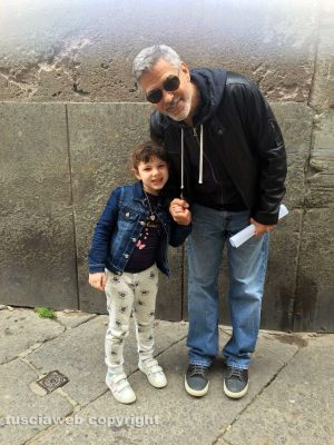 George Clooney in San Pellegrino - in mid-April A42d9005-af31-4456-93a8-a0265c748737-300x400