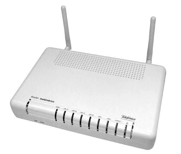 EXTENSOR DE RED WIFI 2010_05_19_Router-Movistar1