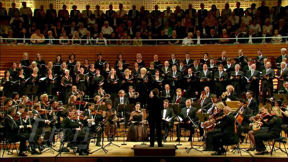 [Jeu] Suite d'images !  - Page 3 Lucerne-2012-Mozart-Requiem