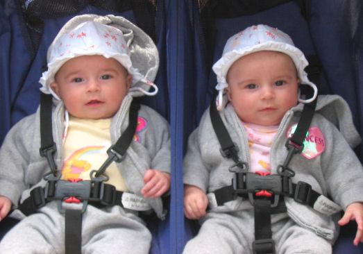 صور اطفال توأم Maisieandmakaylee