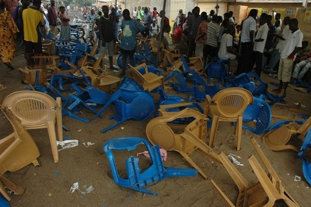 Togo. Soutien aux Togolais et à la démocratie Veillee_de_prieres_du_mercredi_24_mars_2010_275