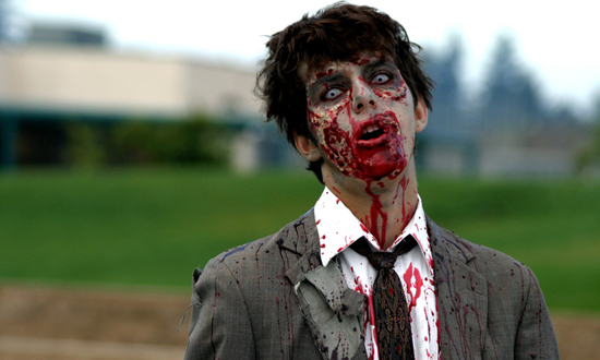 Apocalipsis Zombie ( At the Begining ) Zombie-photos-1