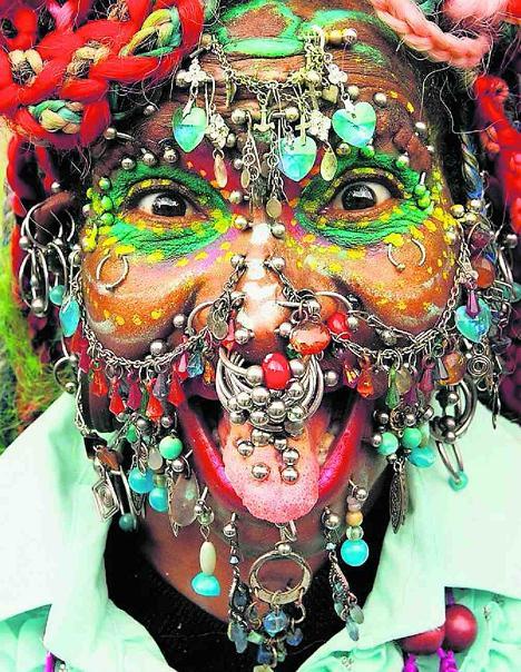 Une astuce pour limiter les crevaisons? - Page 3 Elaine-davidson-piercing-brazil-woman
