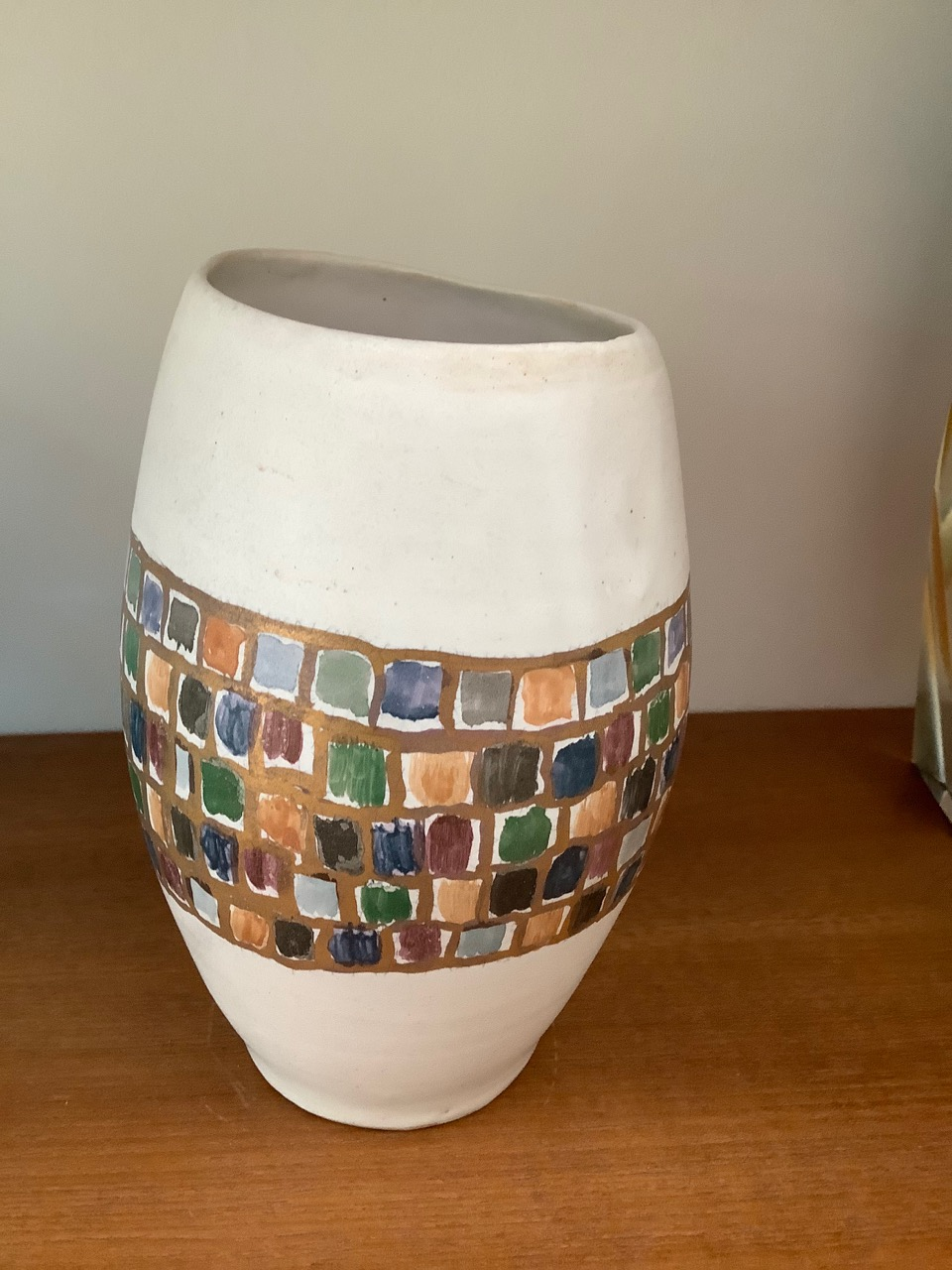 white pot with gold and colour decoration marked with an M Rich3