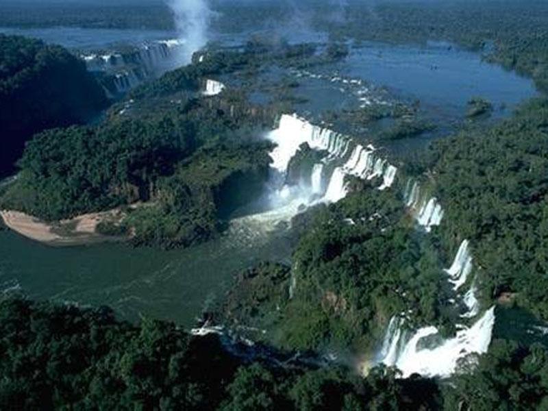 Argentina - Page 5 Img_21_Iguazu_falls
