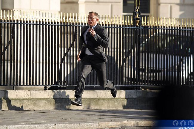 James Bond Skyfall - 2012 James_Bond_23_Skyfall_Photos_photos_photos_et_le_retour_du_MI6_b