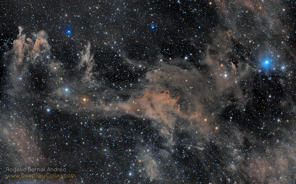 Stelle Costellazioni Nebulose Buchi Neri RBA_DS_Clouds_of_Aries
