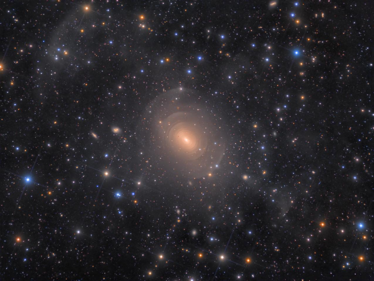 Stelle Costellazioni Nebulose Buchi Neri NGC_3923_LRGB_3326x2504_desat-X2