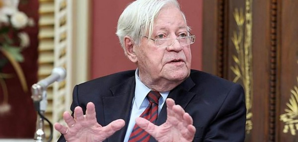 selon - Selon le chef de l'Armée, la crise de la dette de l'UE constitue la menace principale pour la Suisse Helmut-schmidt-upr-600x286