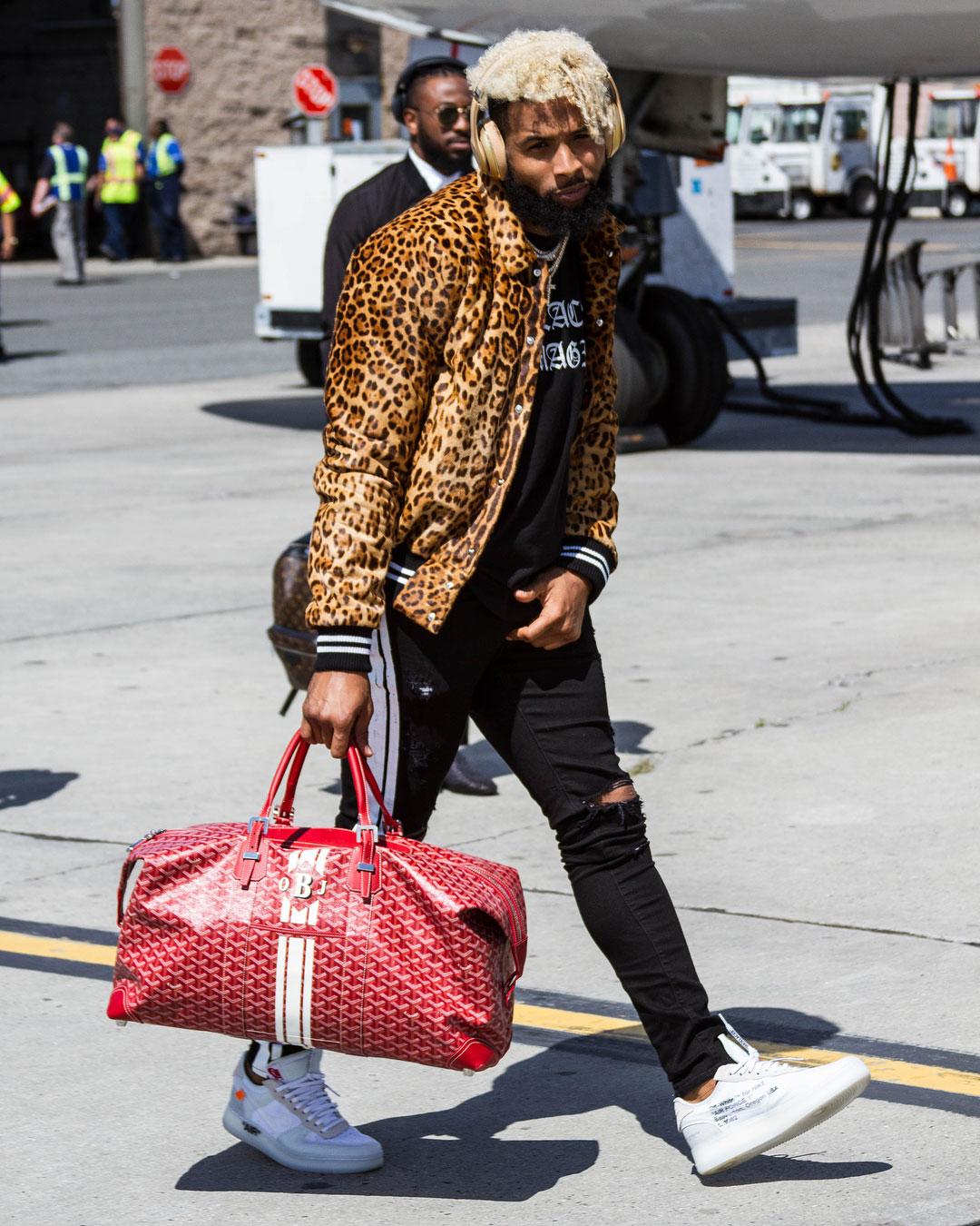 Cleveland Browns - Page 35 Odell-Beckham-Jr-Amiri-jacket-tee-jeans-Off-White-Nike-sneakers-Goyard-bag