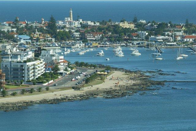 Urugvaj - Page 2 Punta-del-este111