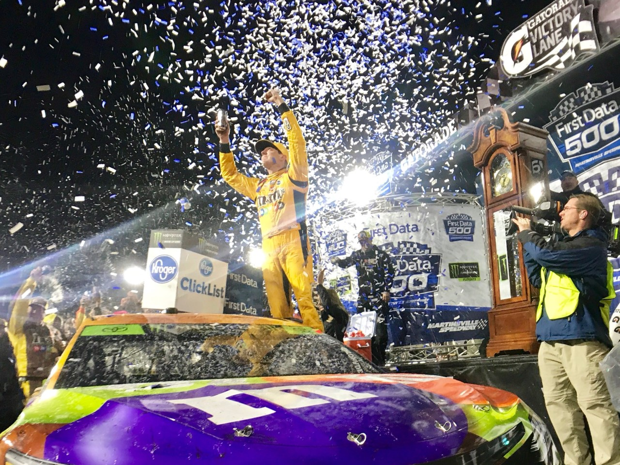 Monster Energy NASCAR Cup - Page 10 171029_MS_MENCS_KyBusch_VL