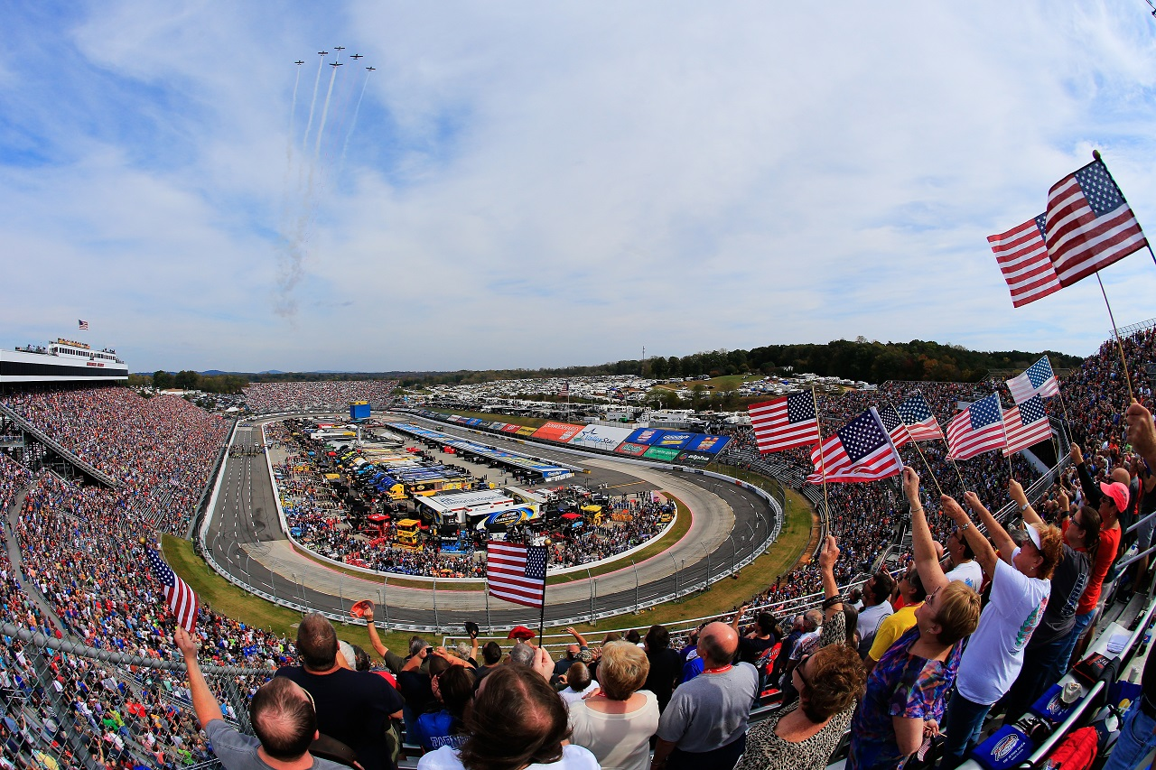 Monster Energy NASCAR Cup - Page 10 33_Martinsville2_3_DS_GI