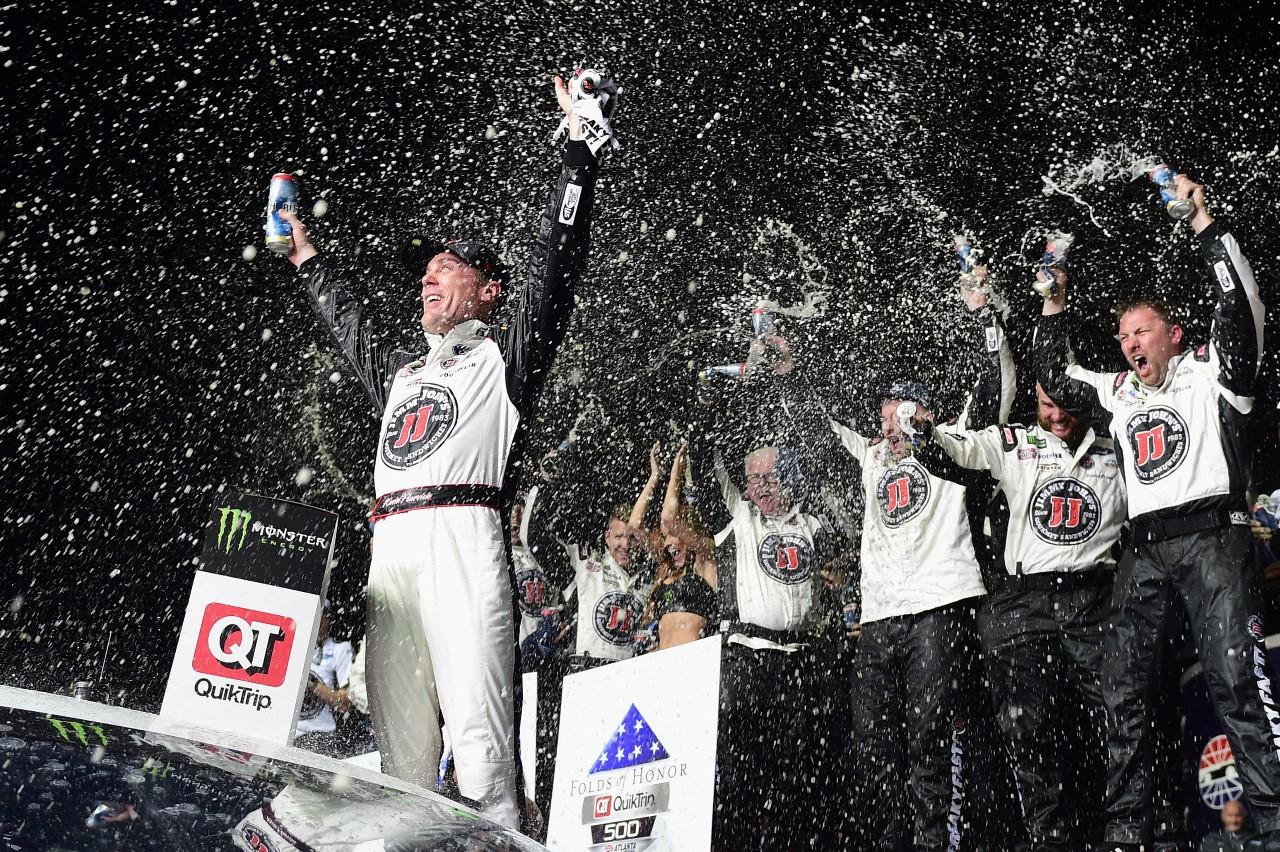 Monster Energy NASCAR Cup - Page 11 180225_Atlanta_MENCS_Harvick_VL
