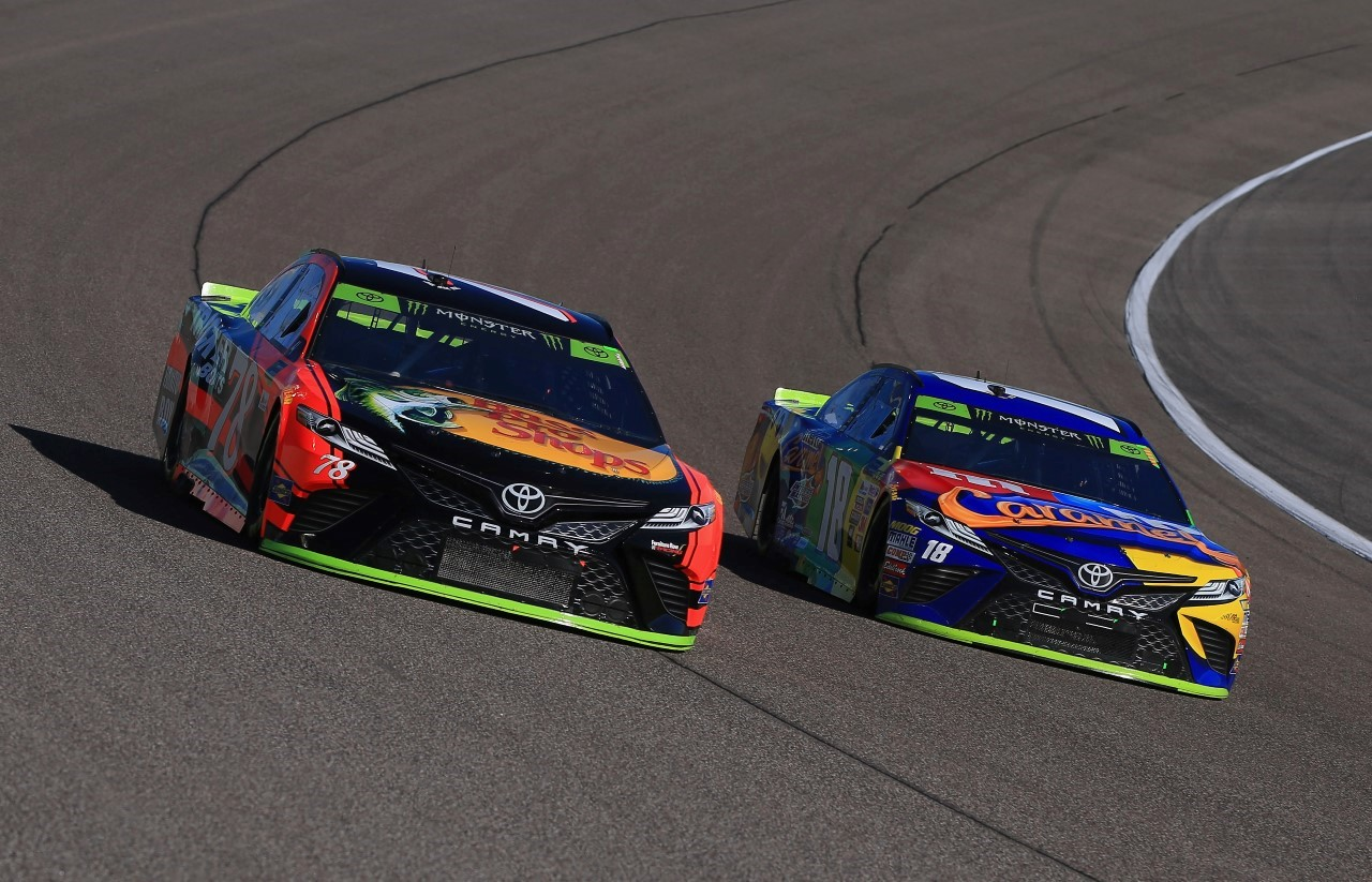 Monster Energy NASCAR Cup - Page 12 2017_36_Homestead_3