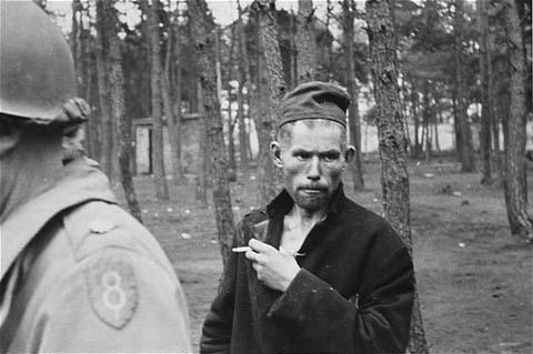 photos des camps de la mort, des ghettos, des prisonniers, des gardiens... 09287