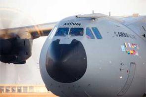 A400M : Londres réduira sa commande de 3 avions maximum 000122835_5