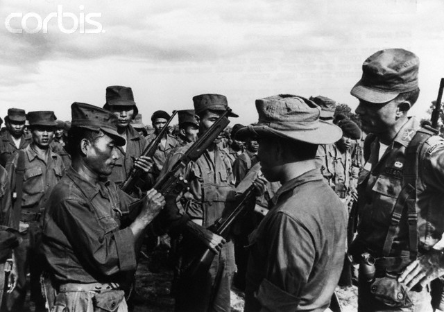 soldats sud-vietnamiens Post-1486-1235495485