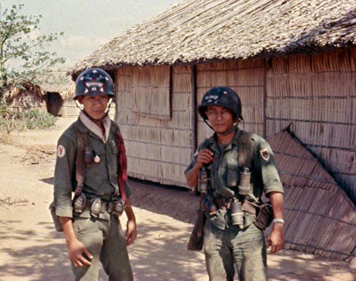 soldats sud-vietnamiens Post-467-1236901027