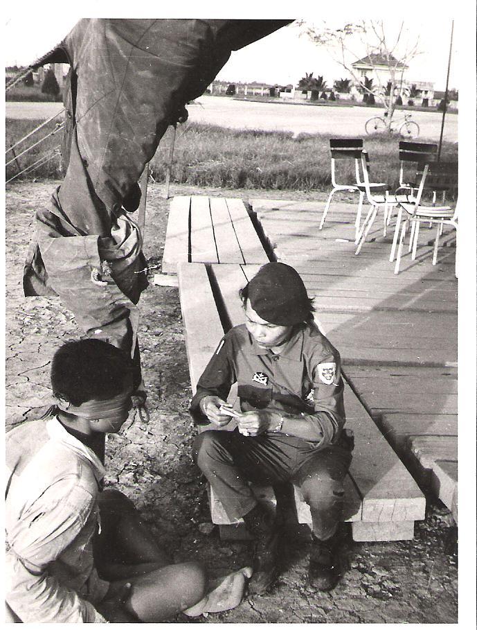 soldats sud-vietnamiens Post-1523-1213392114