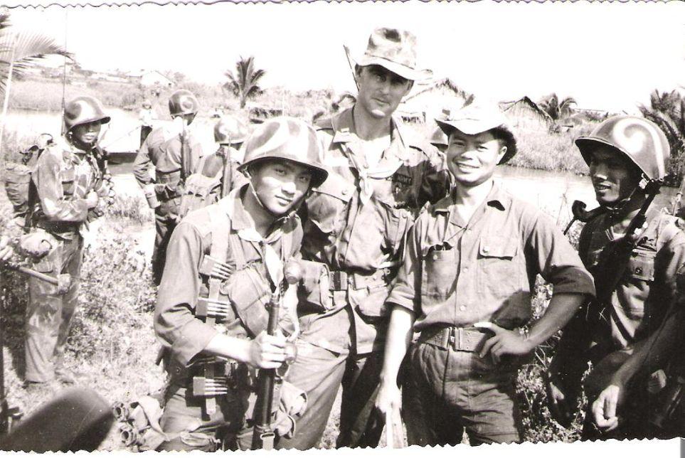 soldats sud-vietnamiens Post-1523-1213392662