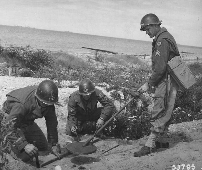 Les Images de la Seconde Guerre Mondiale - Page 17 Post-8715-0-18042300-1480100973