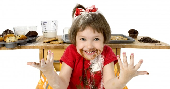 Bon Vendredi  Kid_girl_child_chocolate