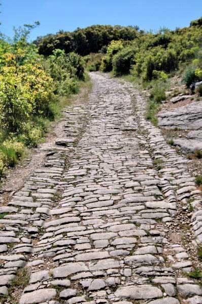 Concours photo de mars /// Thème : la route. Bravo au vainqueur : Lotusien !!! - Page 5 1t0a-ambrussum