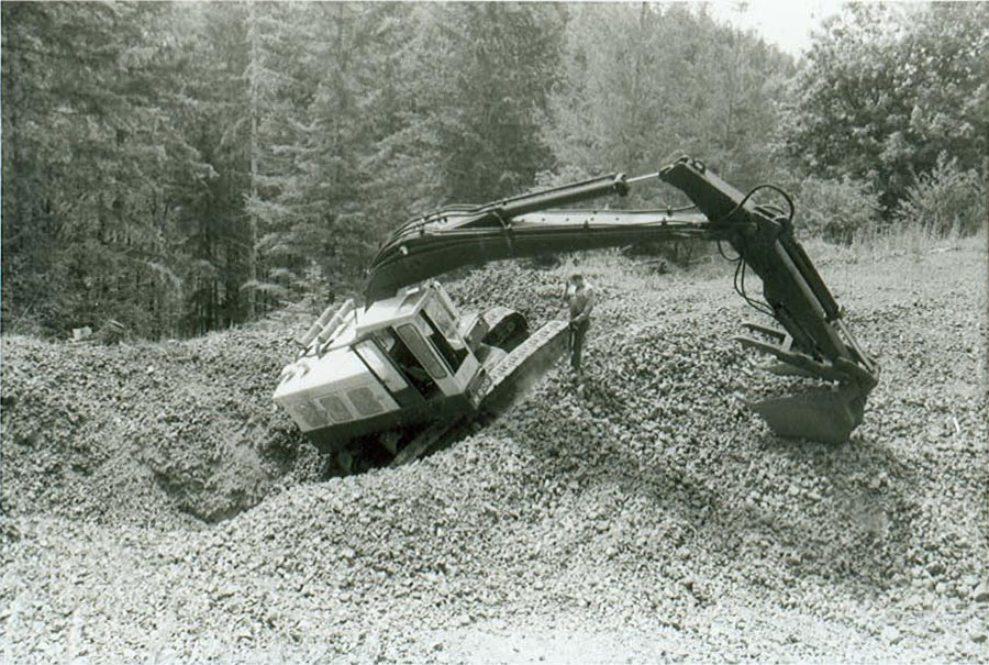 escavatori H900a4