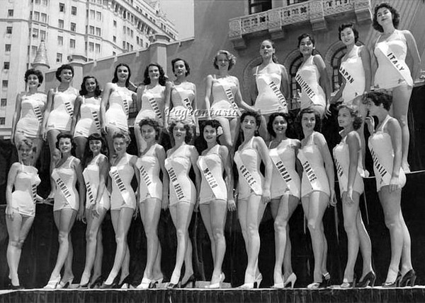 MISS UNIVERSE IN HISTORY! 1953mu-fra-12
