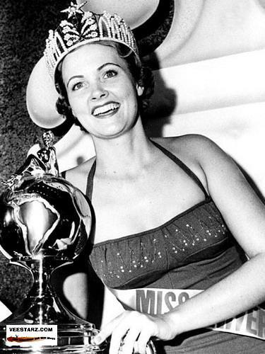 MISS UNIVERSE IN HISTORY! 1954mu-usa-17