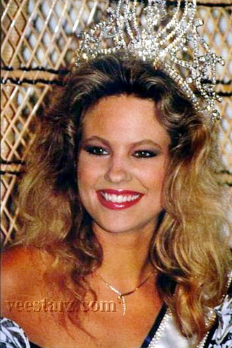 MISS UNIVERSE IN HISTORY! - Page 2 1989mu-hol-09