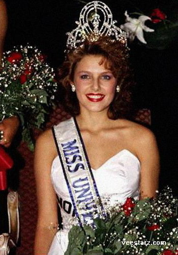 MISS UNIVERSE IN HISTORY! - Page 2 1990mu-nor-25