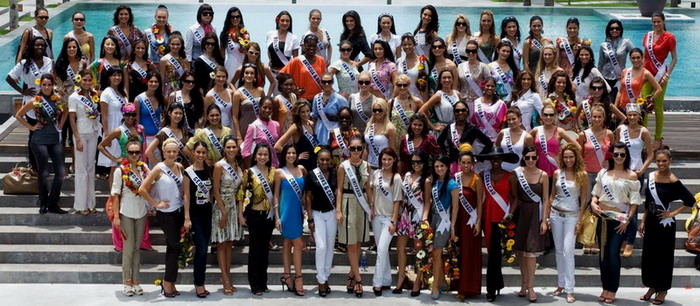 MISS UNIVERSE IN HISTORY! - Page 3 2008MU-group_contestants-01s