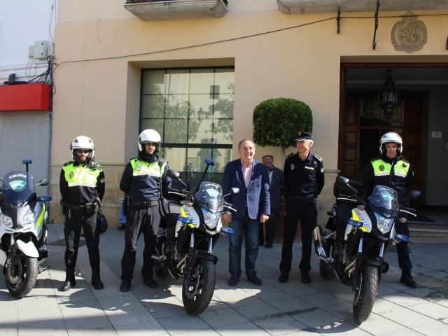 Una X con todas las de la ley Motocicletas-PolicA-a-lMmoEP