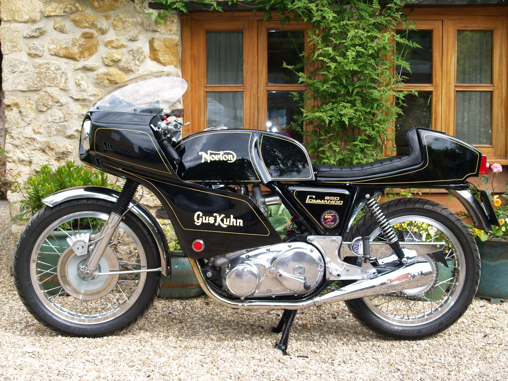 Made in England  - Page 38 Norton%20Commando%20Gus%20Kuhn%20MYL426P%2096
