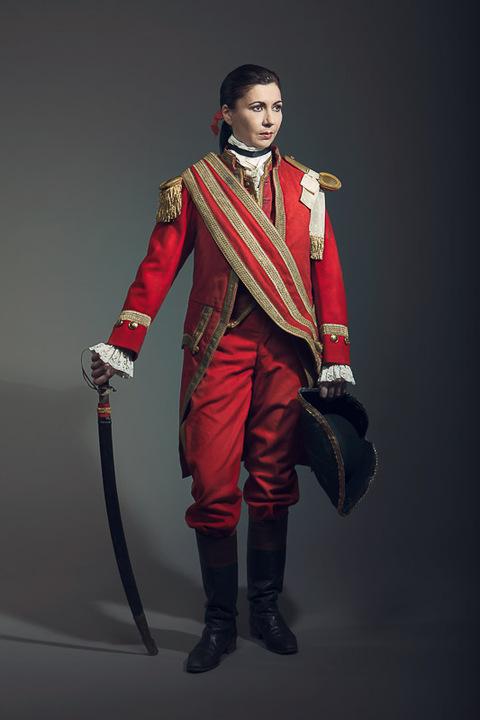 Costume Historique [Temps d'Elegance] Costume-vertugadins-XVIII-garde-suisse-01