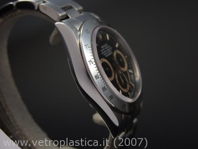 Les boitiers, les marques sous un autre angle. Rolex-daytona-16520-contatori-marroni-S99-profilo