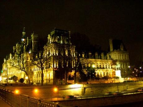 una passeggiata a parigi Mini-hoteldeville