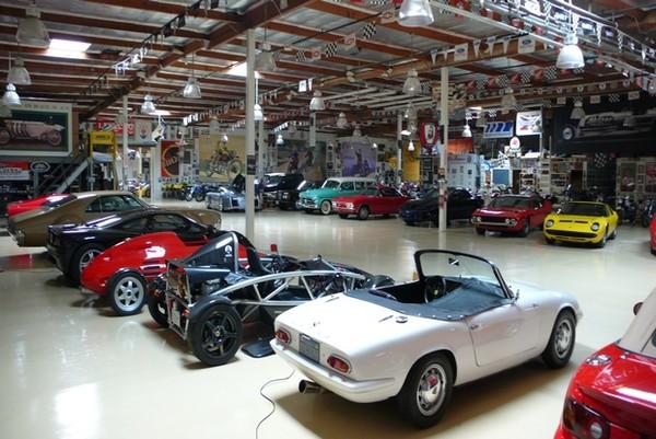 Pogled u garažu snova Jay-Lenos-Garage-002_reference