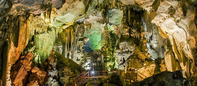 C'est de toute beauté : sites et lieux magnifiques de notre monde. Explore-Phong-Nha-and-Tien-Son-Cave-Tour